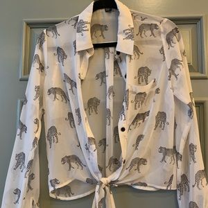 Front tie Leopard Blouse!🐆
